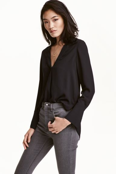 V-neck blouse - Black - Ladies | H&M GB