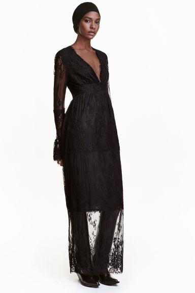 svart lång spetsklänning