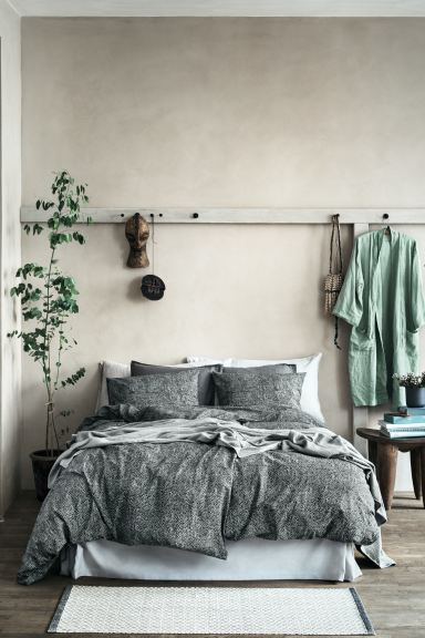 Washed linen dressing gown - Dusky green - Home All | H&M GB