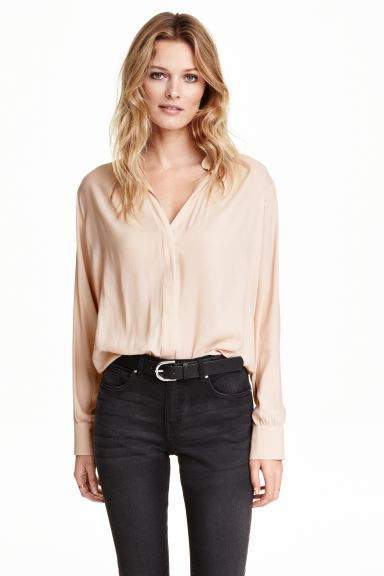 V-neck blouse - Powder - Ladies | H&M GB