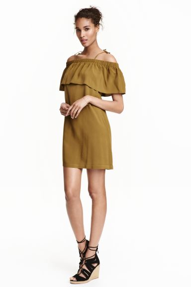 Off-the-shoulder dress - Olive green - Ladies | H&M IE
