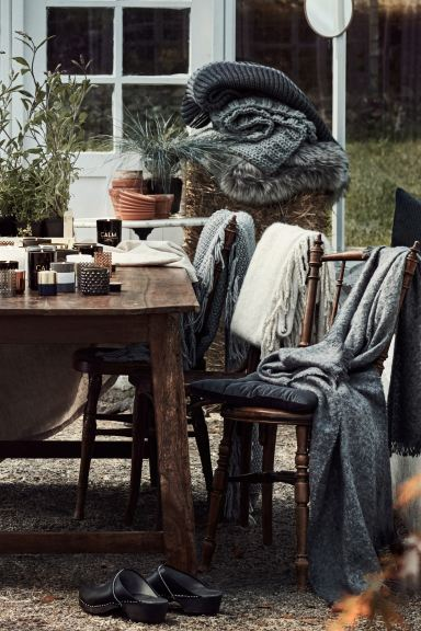 Faux fur blanket - Grey - Home All | H&M GB
