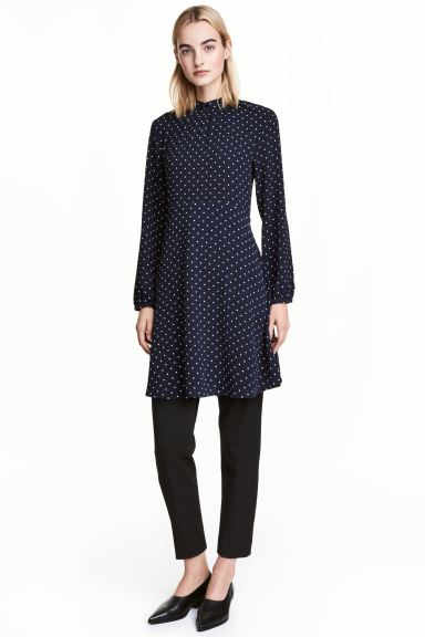 Crêpe dress - Dark blue/Spotted - Ladies | H&M GB