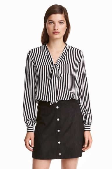 Pussy bow blouse - Black/White/Striped - Ladies | H&M CA