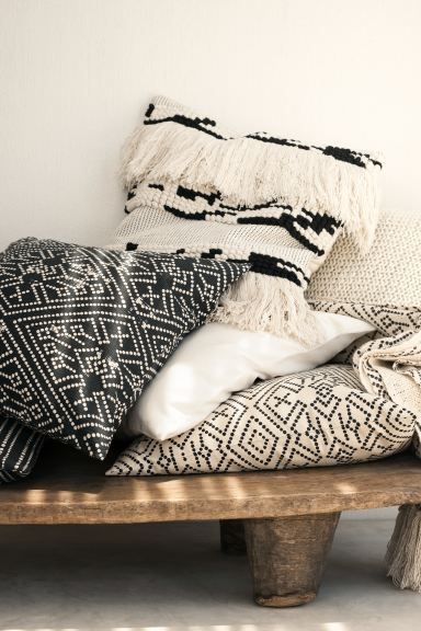 Textured-weave cushion cover - Natural white/Patterned - Home All | H&M GB