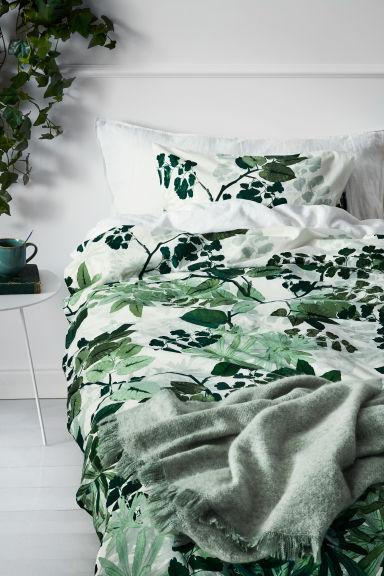 bettw sche mit blattmuster weiss gr n home h m ch. Black Bedroom Furniture Sets. Home Design Ideas