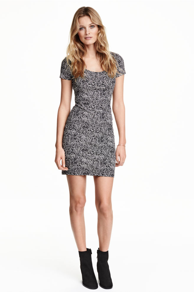 ce1aa4f60345 Fitted jersey dress - Black/White/Patterned - Ladies   H&M ...