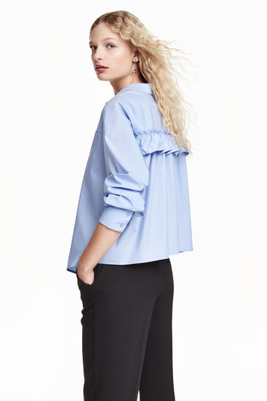 Wide blouse with a frill - Light blue - Ladies | H&M GB