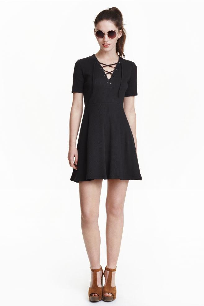 37c631da74e884 Sukienka ze sznurowaniem - Czarny - ONA | H&M ...