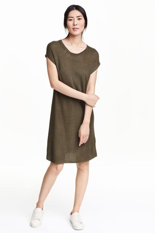Šaty z rebrovaného úpletu - tmavá kaki - ŽENY  0cefd6fa3ca