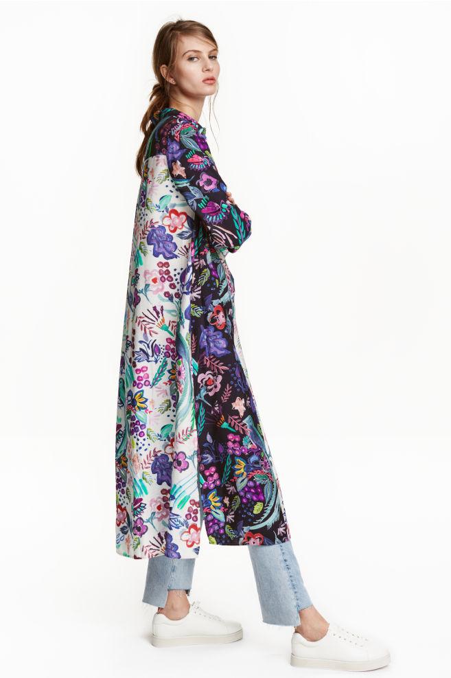 e5aef5913 Dlhé košeľové šaty - prírodná biela/kvetovaná - ŽENY | H&M ...