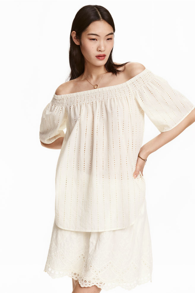 d9ed0f872fd Off-the-shoulder blouse - Natural white - Ladies | H&M ...