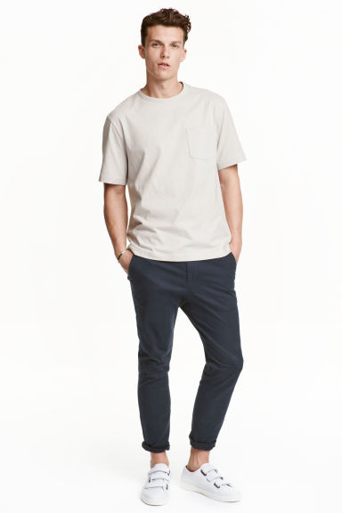 Chinos Slim fit - Dark blue - Men | H&M GB