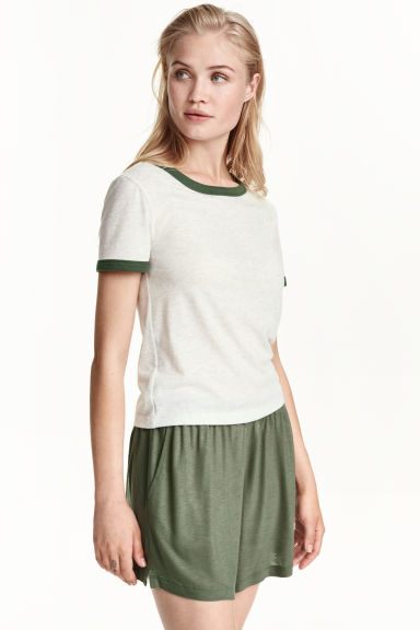 Wide shorts - Khaki green - Ladies | H&M CN
