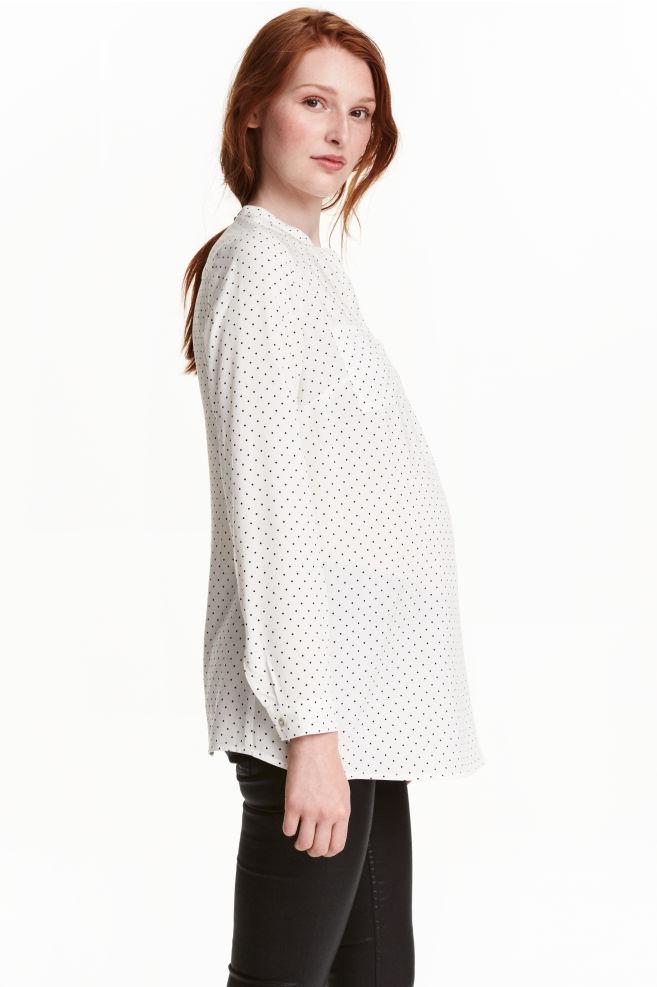 de8ff7d1e2c MAMA Блуза с десен - Бял/Точки - ЖЕНИ   H&M ...