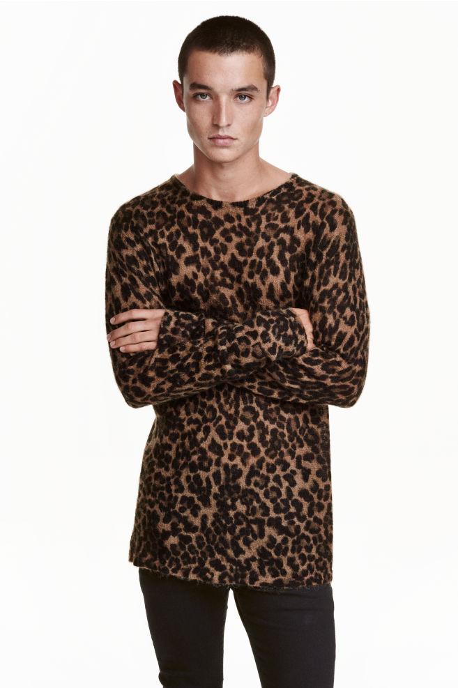 5e9ebca026 Kötött pulóver - Bézs/leopárdmintás - FÉRFI   H&M ...