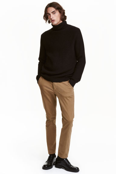 Chinos Skinny fit - Dark beige -  | H&M IE