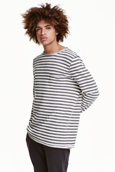 Sweatshirt with a chest pocket - Black/White/Striped - Men | H&M CN