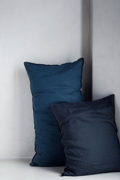 Washed linen pillowcase - Dark petrol - Home All | H&M CN