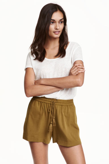 Viscose shorts - Olive green -  | H&M CN
