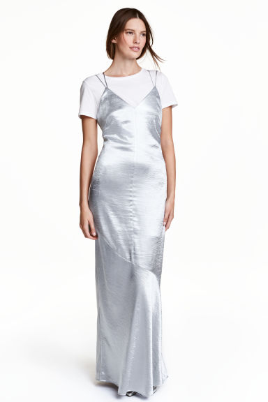 Satin maxi dress - Silver - Ladies | H&M GB