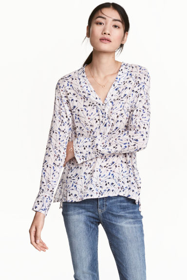 V-neck blouse - Powder pink/Floral - Ladies | H&M