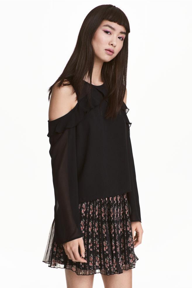 9cf810e81 Cold shoulder blouse - Black - | H&M ...