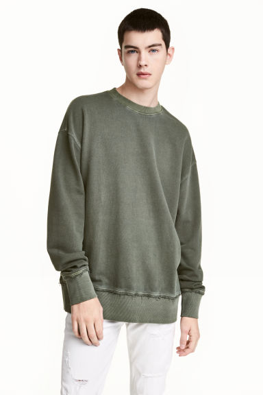 Sweatshirt - Khaki green - Men | H&M