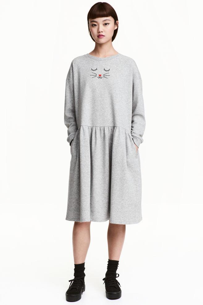 69791c204942 Teplákové šaty - sivá melírovaná - ŽENY