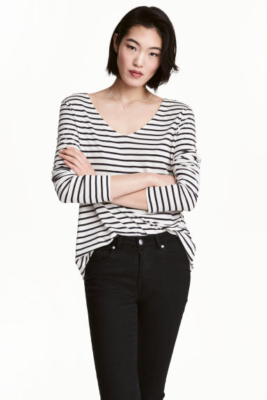 V領平紋上衣 - White/Striped -  | H&M