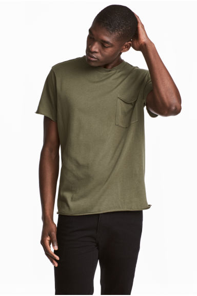 T-shirt with a chest pocket - Khaki green -  | H&M CN