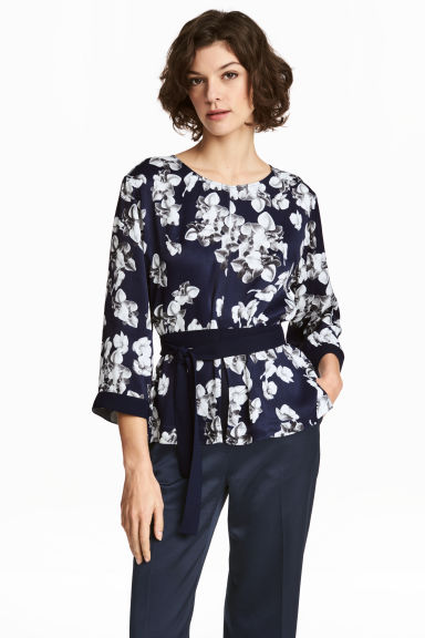 Crinkled blouse - Dark blue/Floral - Ladies | H&M CN
