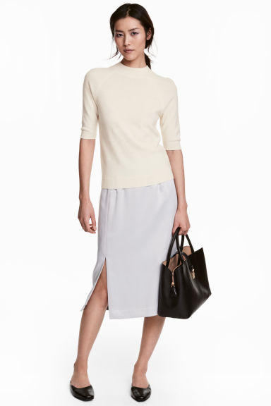 Knee-length satin skirt - Light grey - Ladies | H&M