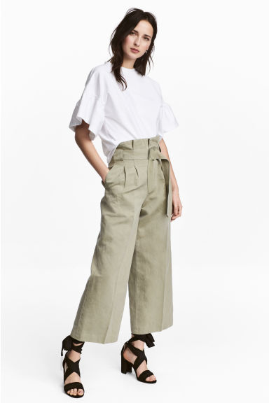 Wide trousers with a belt - Light khaki -  | H&M GB
