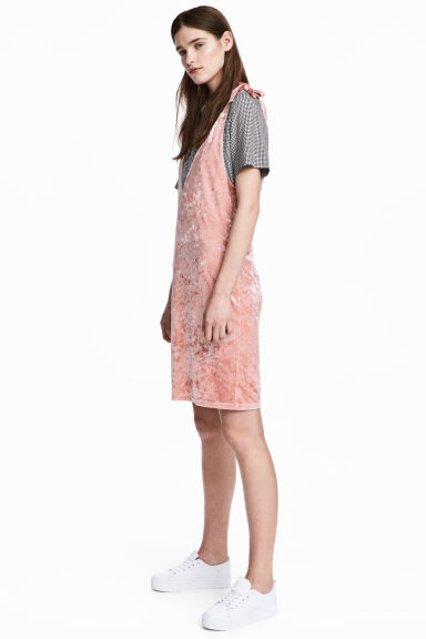 Crushed velvet dress - Pink -  | H&M