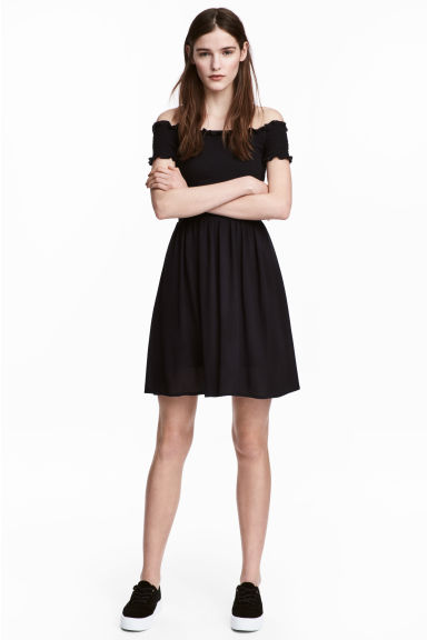 Dress with smocking - Black - Ladies | H&M GB
