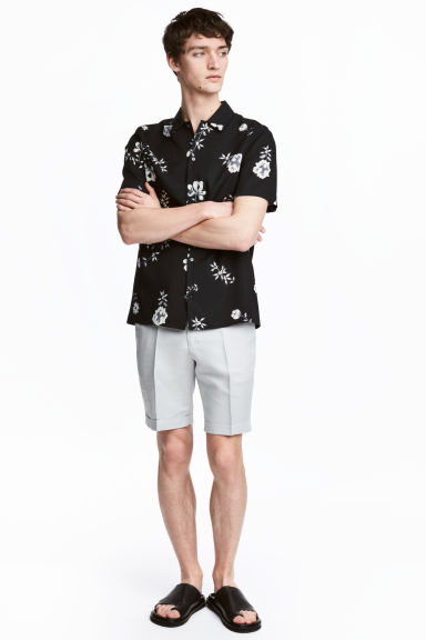 Linen-blend chino shorts - Light grey - Men | H&M
