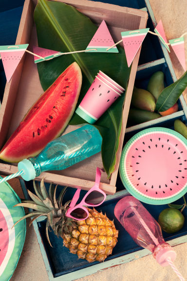 Paper bunting - Watermelon - Home All | H&M GB