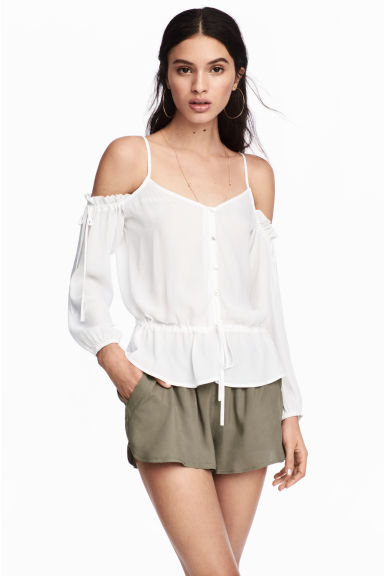 Short shorts - Khaki green -  | H&M
