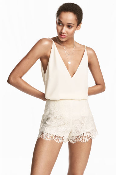 Lace shorts - Natural white - Ladies | H&M
