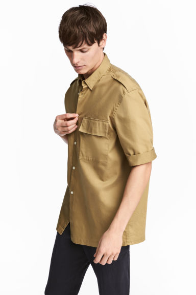 Short-sleeved utility shirt - Khaki beige - Men | H&M CN