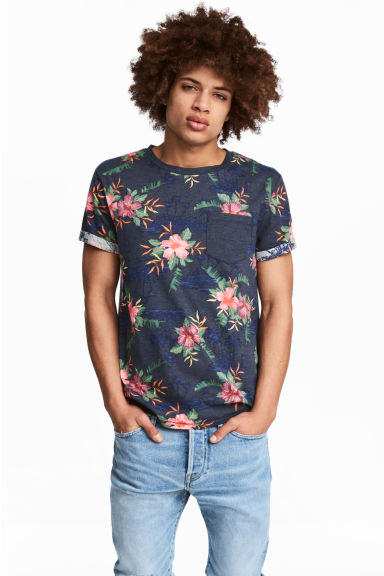 T-shirt with a chest pocket - Navy/Floral - Men | H&M CN