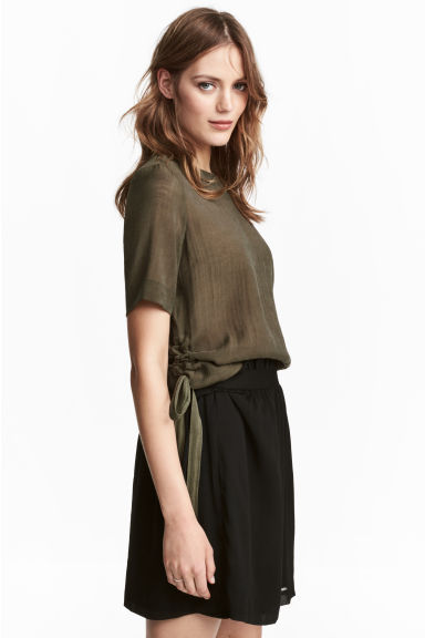 Blouse with drawstrings - Khaki green - Ladies | H&M
