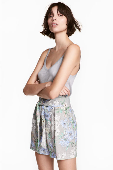 Smart shorts - White/Floral - Ladies | H&M