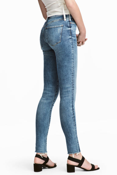 Shaping Skinny Regular Jeans - Deniminsininen -  | H&M FI