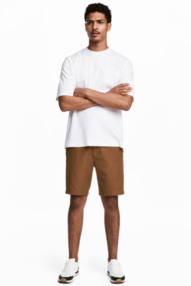 Chino shorts - Dark camel - Men | H&M