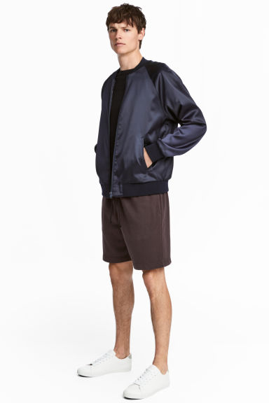 Short van joggingstof - Donkerbruin -  | H&M BE