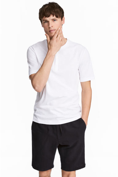 Short-sleeved Henley shirt - White - Men | H&M IE