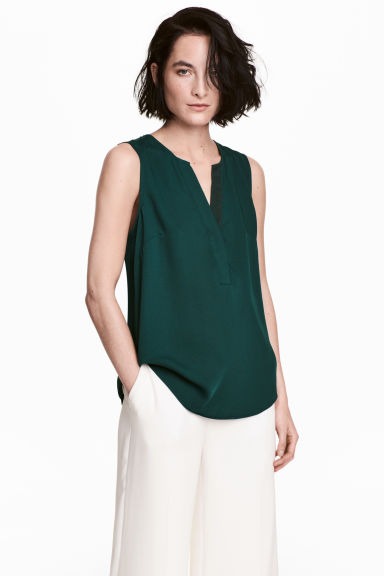 Sleeveless blouse - Dark green - Ladies | H&M
