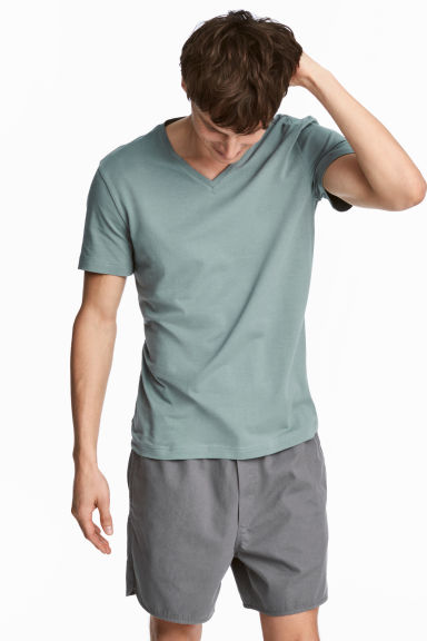 V-neck T-shirt Slim fit - Grey green - Men | H&M CN